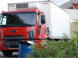 Caminhão de merenda é usado para armazenar corpos de mortos no Compaj - Imagem de reprodução do Youtube