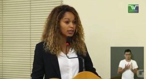 Vereadora Thainara Faria (PT) disse que, apesar de ser católica praticante, não vai ler trechos da Bíblia no início das reuniões - Imagem de divulgação