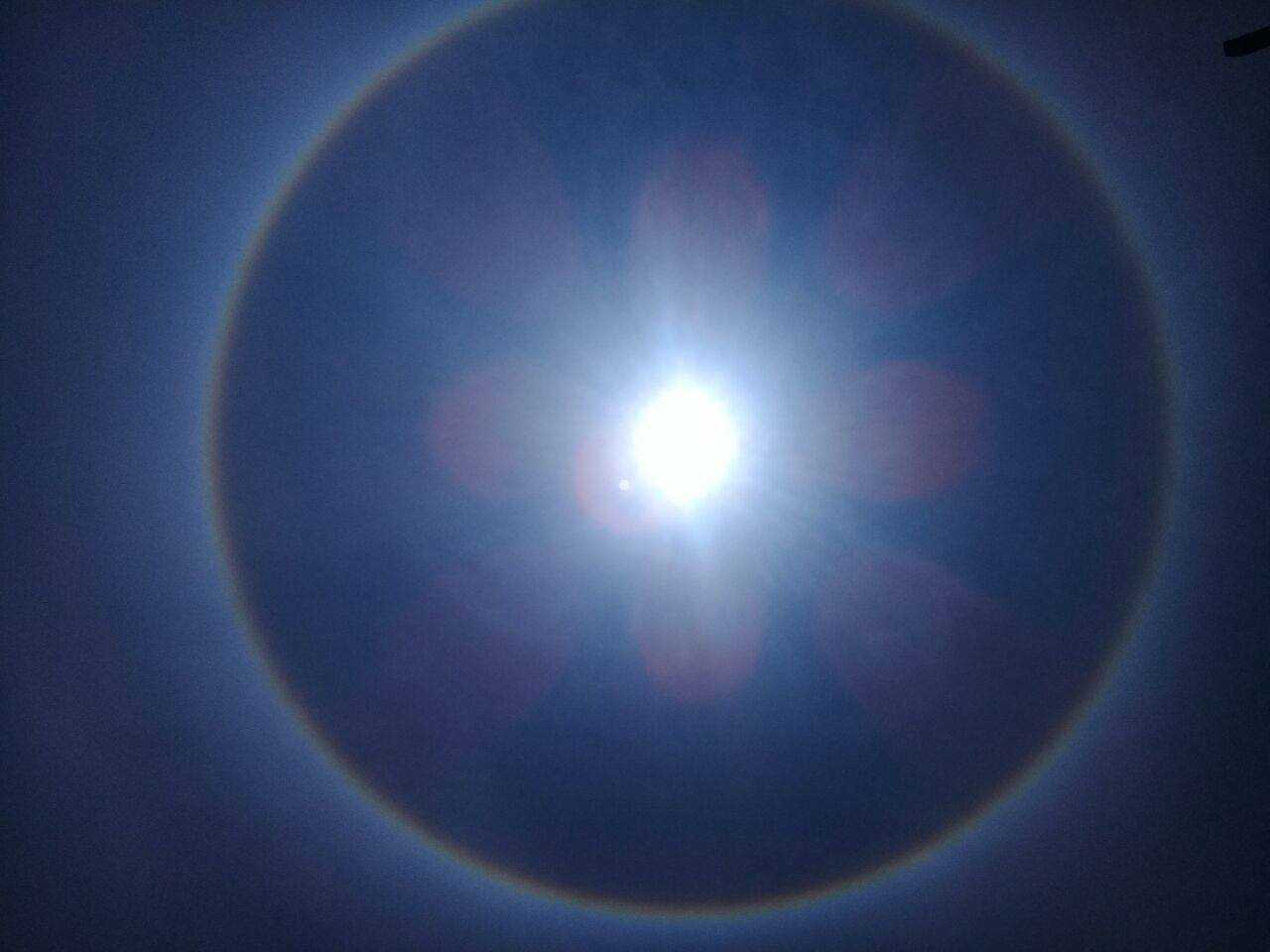 Halo solar em Tapauá - Imagem: John Brendell