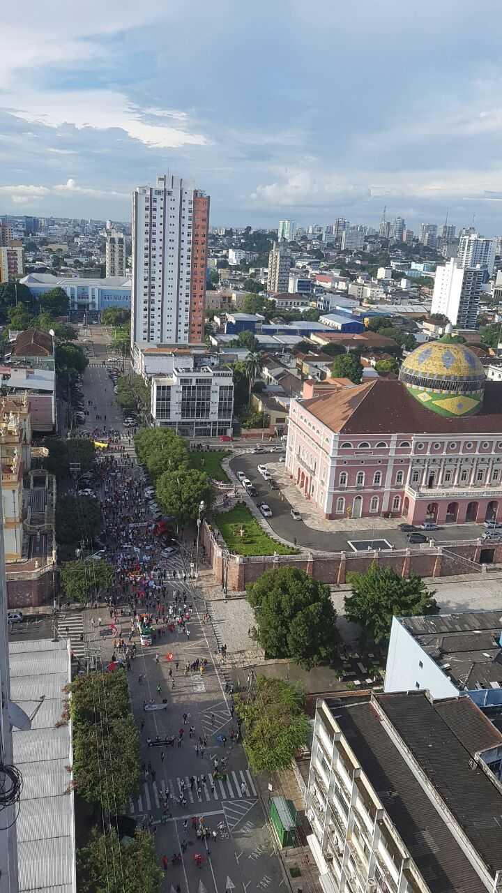 Tarde de protestos gera caus em Manaus, Eduardo Ribeiro - Imagem: Fred Lobão