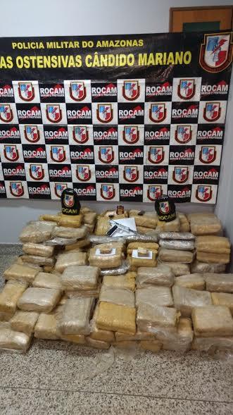300 kg de drogas apreendidos / Divulgação