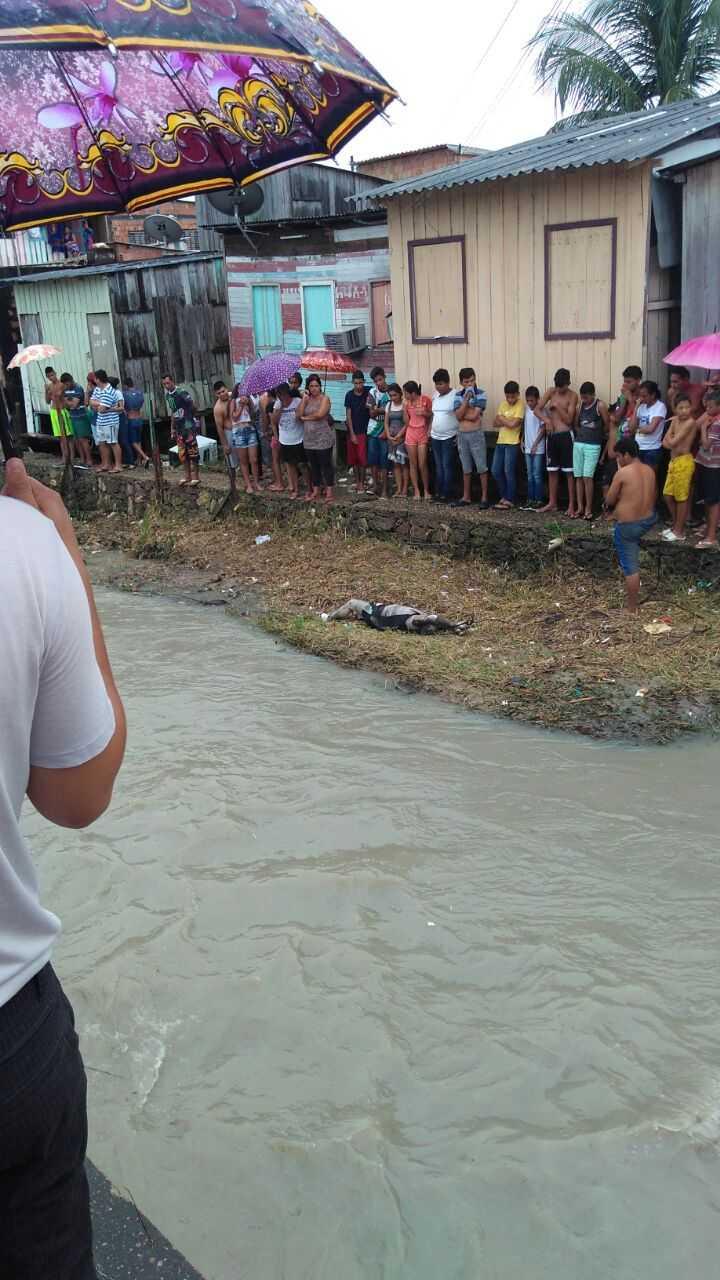 Corpo de homem é encontrado no igarapé do Bindá - Imagem via Whatsapp