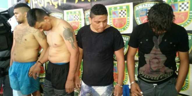 Thiago Silva Nascimento, o terceiro da esquerda para direita, revelou os planos do grupo, que era matar a família do chefe da FDN
