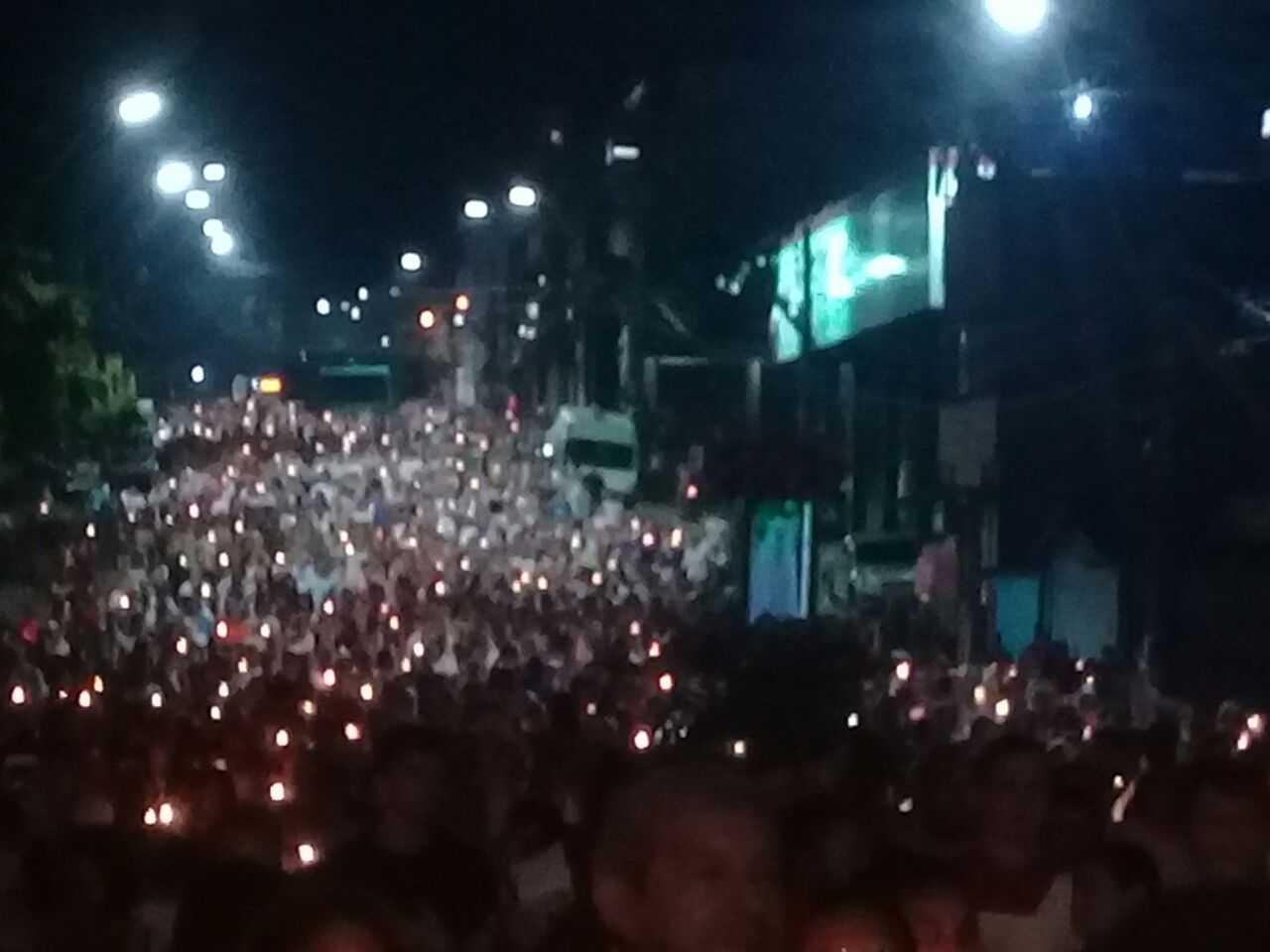 Procissão reúne milhares de fiéis em comemoração aos 100 anos das aparições de N.S. de Fátima - Imagem No Amazonas é Assim