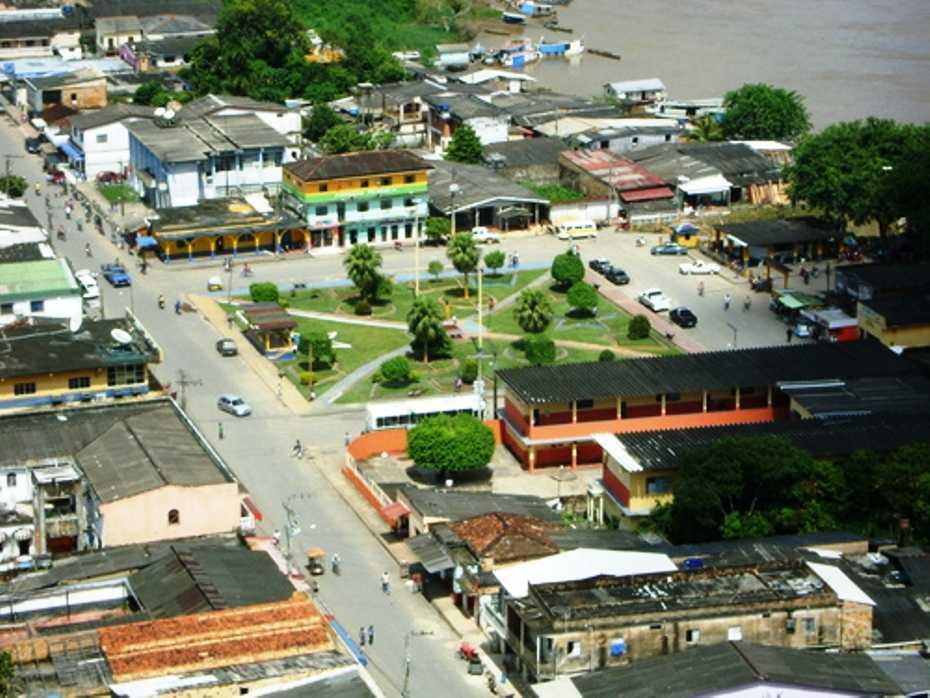 Praça na região do porto na cidade de Manicoré.