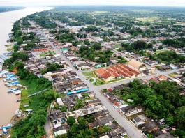 Vista aérea da cidade de Manicoré, Amazonas, Brasil.