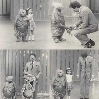 Foto de Silvio Santos em seu programa antigo com convidada mirim (Foto: Reprodução / Twitter)