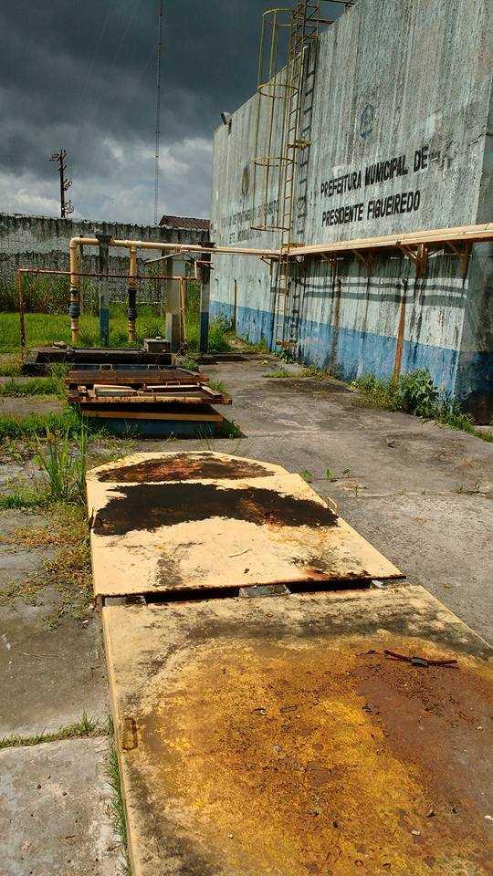 Estação de Tratamento de Esgoto de Presidente Figueiredo está abandonada / Divulgação