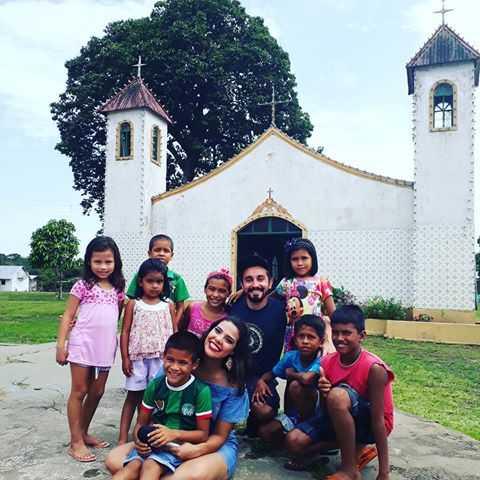 Elenco da Globo na Comunidade de Nossa Senhora do Perpétuo Socorro, no Lago do Acajatuba, localizada no município de Iranduba / Divulgação