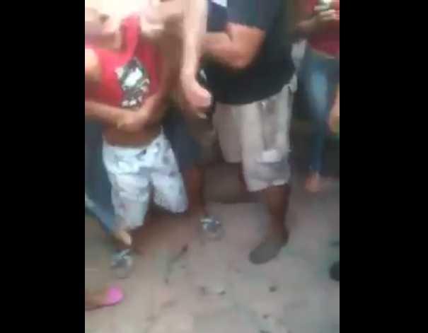 Ladrão rouba cordão, coloca na boca, se entala e morre em Manaus- Imagem de reprodução do Youtube