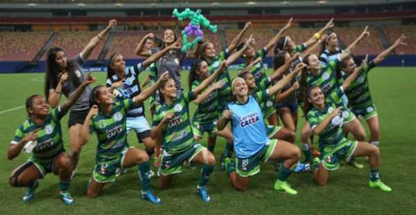 Flechada comemoração do time do Iranduba da amazonia-/Foto: Michael Dantas/Allsports