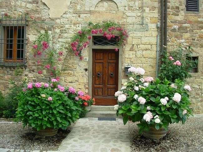 A visita sempre deve sair pela mesma porta que entrou