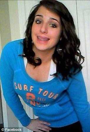 A jovem começou a usar drogas há 7 anos, depois de passar por um relacionamento abusivo / Reprodução Facebook