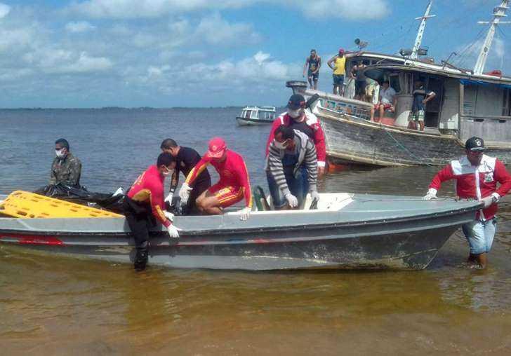 Três pessoas que saqueavam barco que naufragou no Pará são detidas pela polícia - Imagem: Agência Brasil