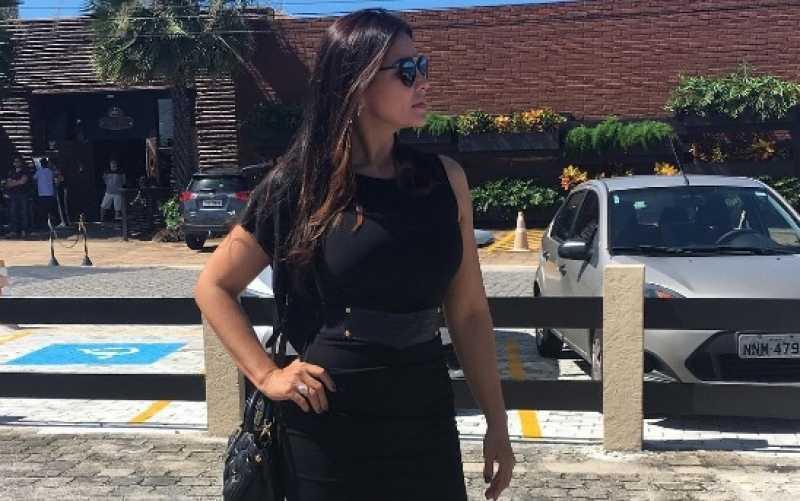 Mulher publica 'look do dia' em velório de amiga e choca no Instagram / Reprodução Facebook