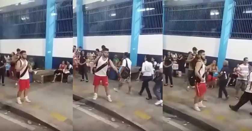 Rapaz dança sozinho no Terminal da Cachoeirinha (T2) e vira hit na web / Reprodução Youtube
