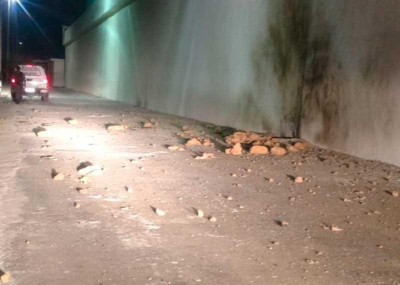 A polícia acredita que a bomba foi jogada no muro da unidade prisional para facilitar uma fuga / Foto: Divulgação