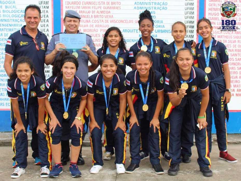Colégio da Polícia Militar CMPM IV é bicampeão brasileiro de futsal feminino - Imagem: Divulgação PMAM