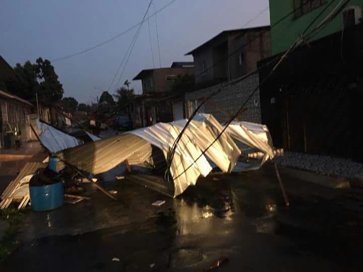 Forte temporal causa destruição em Manaus - Imagem: Via Whatsapp