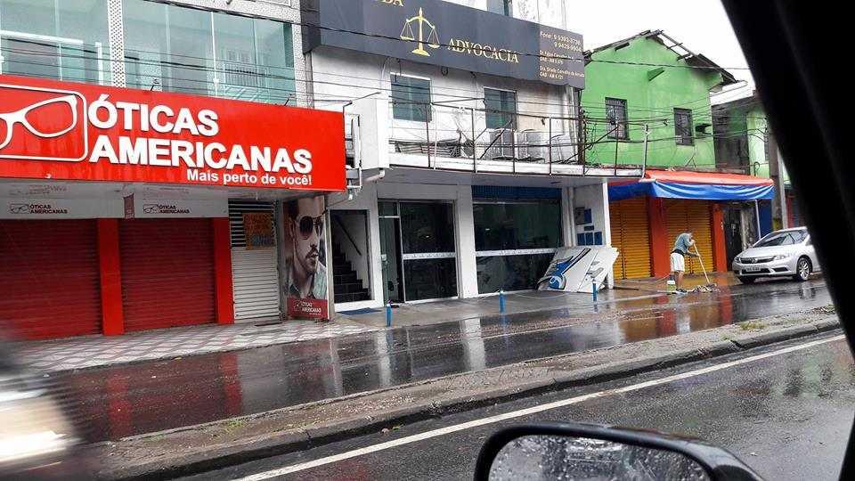 Forte temporal causa destruição em Manaus - Imagem: Breno Max