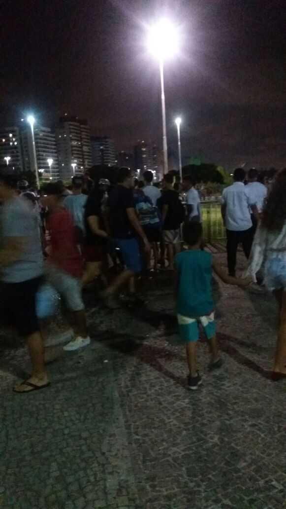 Tiroteio na Ponta Negra deixa um homem morto e outro gravemente ferido - Imagem: Via Whatsapp