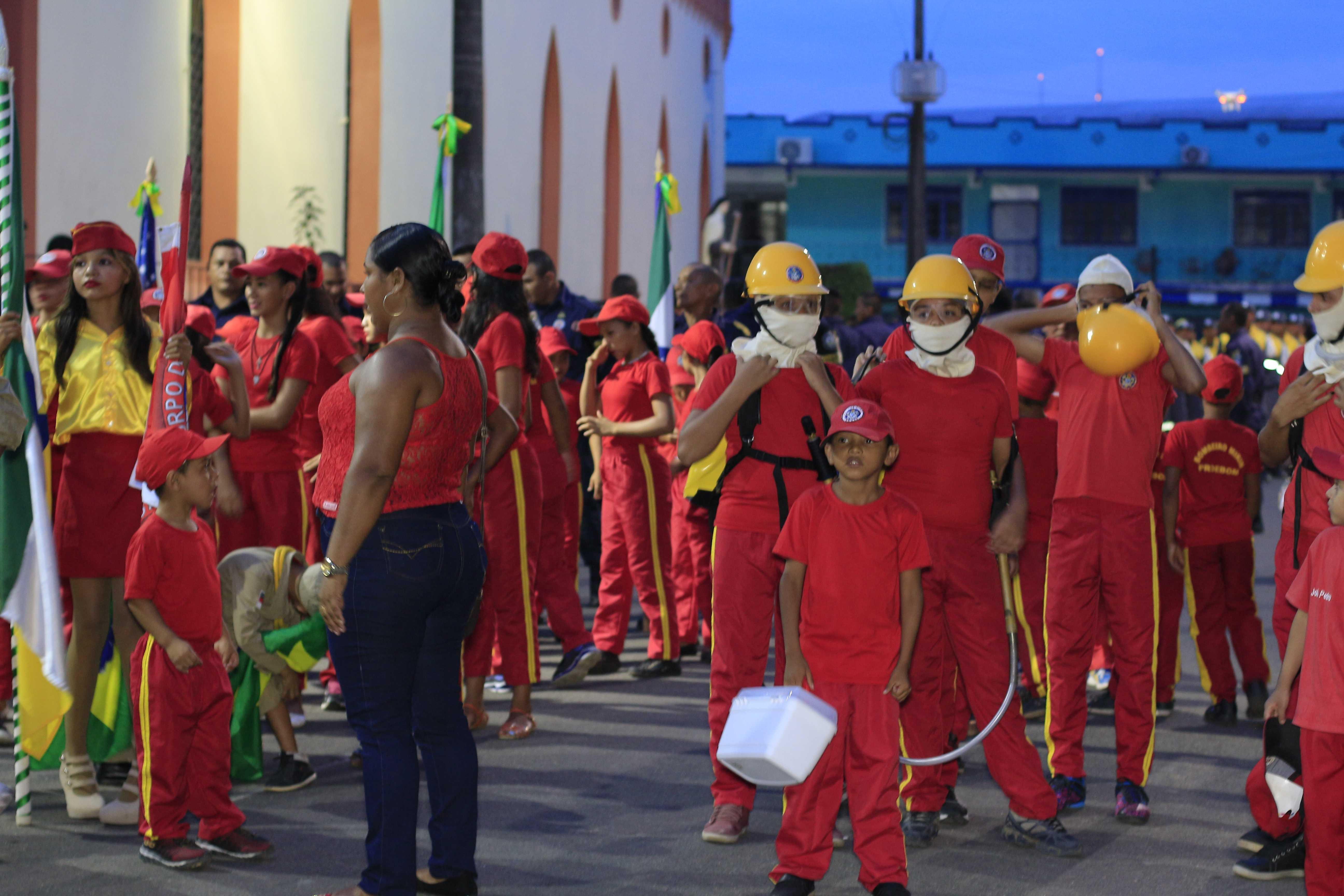 Desfile cívico de 7 de setembro em Tefé reúne centenas de pessoas - Imagem: No Amazonas é Assim