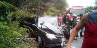 Acidente grave na AM-010 deixa 9 feridos e vítima presa às ferragens - Imagem: Via Whatsapp
