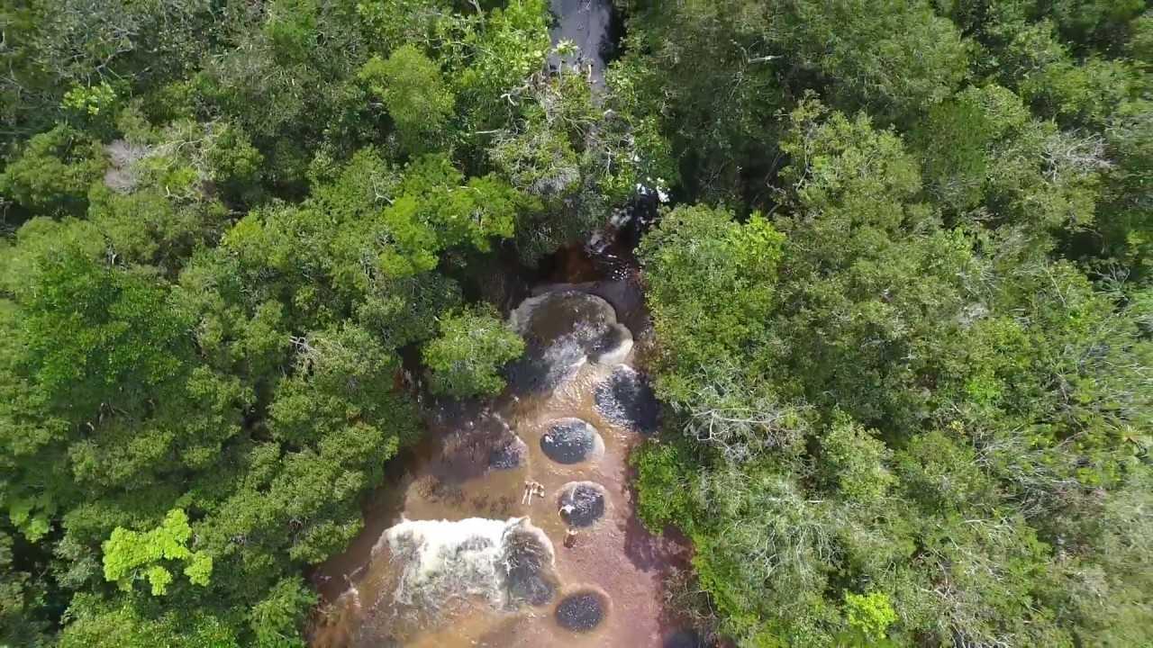 Cachoeira do Mutum em Presidente Figueiredo / Foto : Reprodução Youtube / Algacir Gurgacz