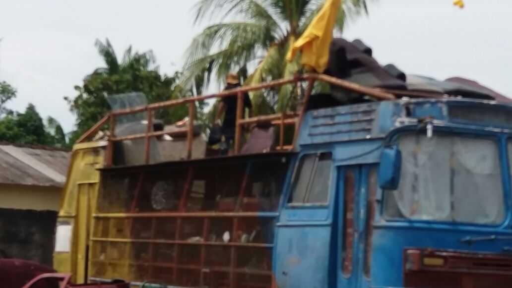 Homem ameaça explosão em ferro velho próximo a hospital de Iranduba, no Amazonas - Imagem: Via Whatsapp