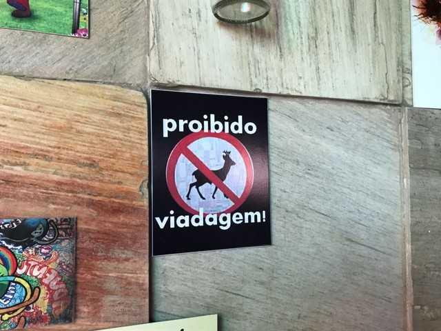 """Em Manaus, bar coloca placa """"Proibido Viadagem"""" e causa polêmica nas redes sociais - Imagem: Foto: Patrick Marques/G1 AM"""