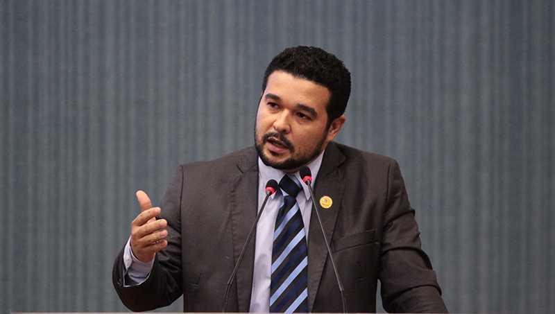 MANAUS 06.03.16 VEREADOR PROFESSOR FRANSUA (PV) DURANTE SESSAO PLENARIA DA CAMARA MUNICIPAL DE MANAUS (CMM). FOTO:TIAGO CORREA/CMM.