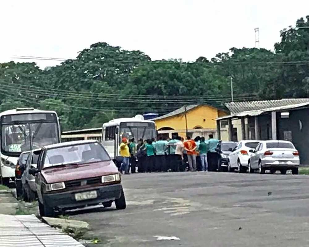 Paraliasação de ônibus pega usuários de surpresa nesta sexta-feira em Manaus - Imagem: Via Whatsapp