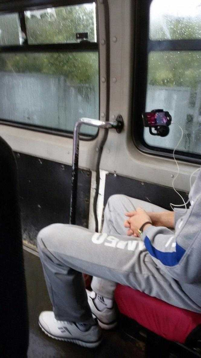 Ônibus que vira cinema