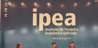 Técnicos do Ipea durante apresentação de dados sobre perfil dos jovens infratores no Brasil (Foto: Isabella Formiga/G1)