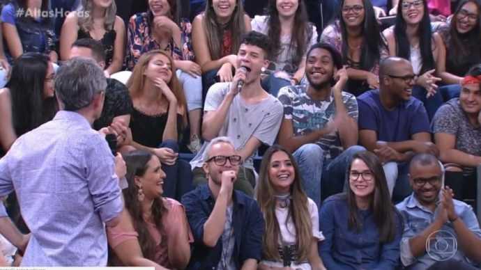 Jovem faz pergunta indecente e choca a todos no 'Altas Horas' / Divulgação