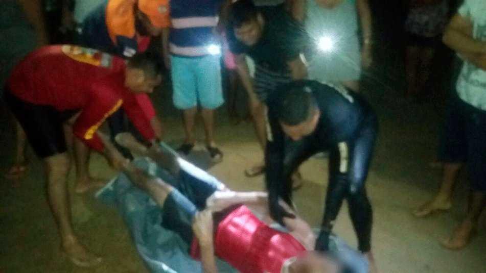 Corpo foi tirado por bombeiros do balneário na madrugada deste sábado (11)   Foto: Divulgação