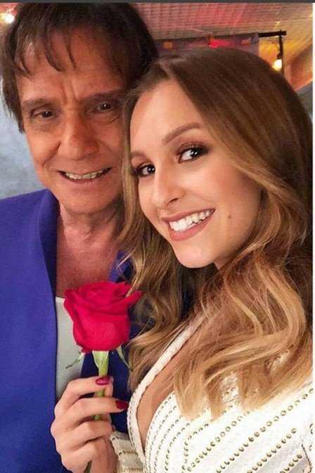"""Carla Diaz ganha presente de aniversário Roberto Carlos, e declara: """"Gente, eu tô muito feliz!!!""""- Imagem: Divulgação"""