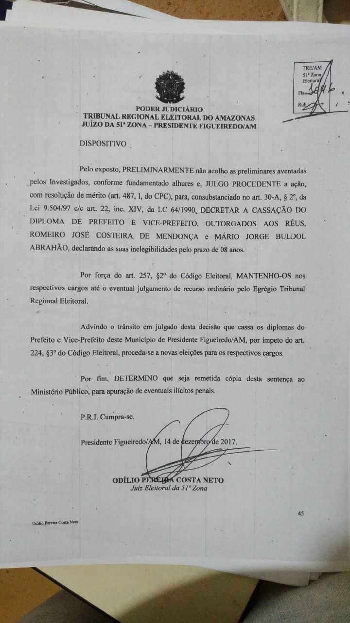 Prefeito e Vice-Prefeito de Presidente Figueiredo são cassados após decisão do TRE
