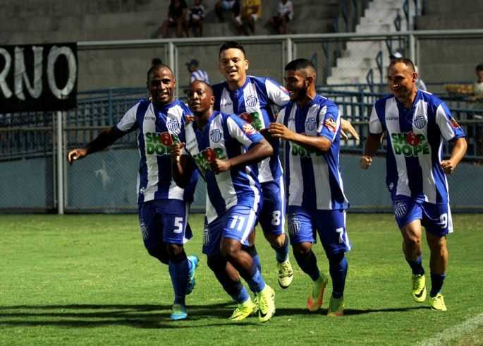 Tufão joga pelo empate pra erguer a taça (Foto: Antônio Assis/FAF)