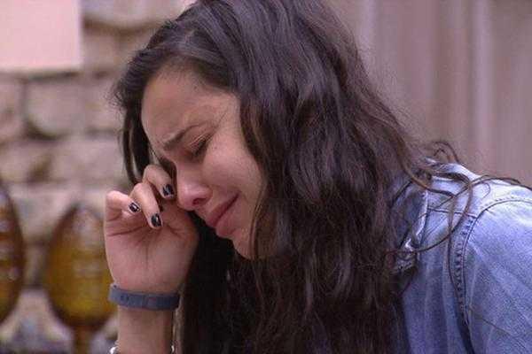 Emily chorando durante o Big Brother Brasil 17 / Divulgação