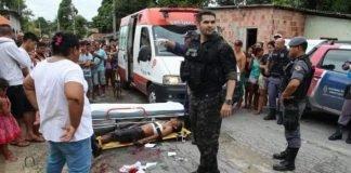 Momento da troca de tiros de delegado Juan Valério da DEHS com bandidos na Zona Norte de Manaus - Imagem: Divulgação