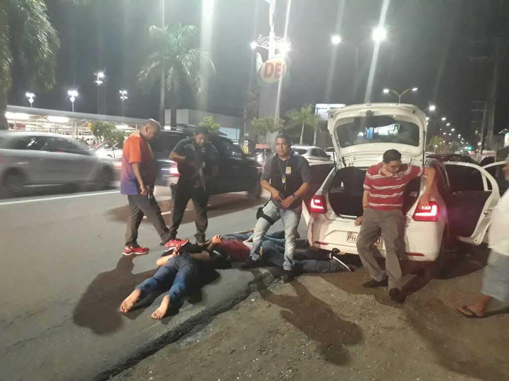 Motorista do Uber é resgatado do porta-malas de veículo após assalto - Imagem: Via Whatsapp