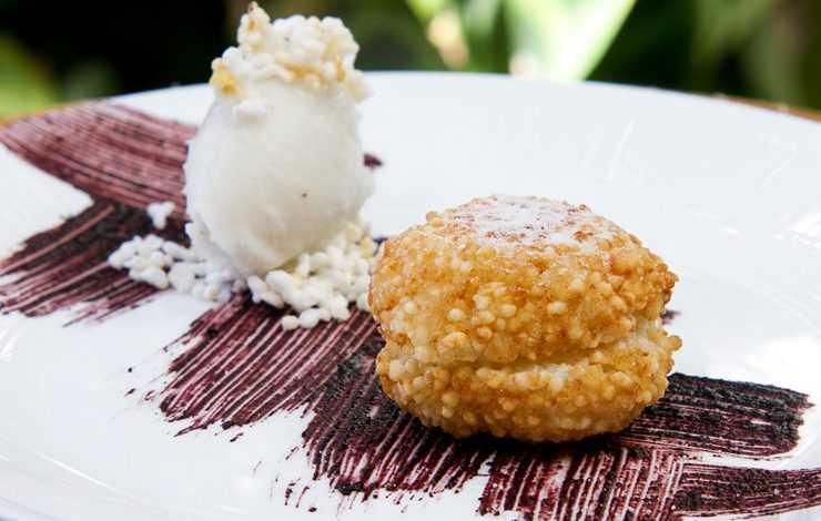 Receita de Sonho de tapioca recheada com doce de cupuaçu - Imagem: Gastrolândia