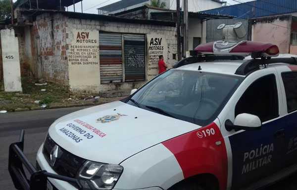 A vítima foi encontrada com uma faca no pescoço em uma oficina mecânica no Santo Antônio / Foto: Divulgação