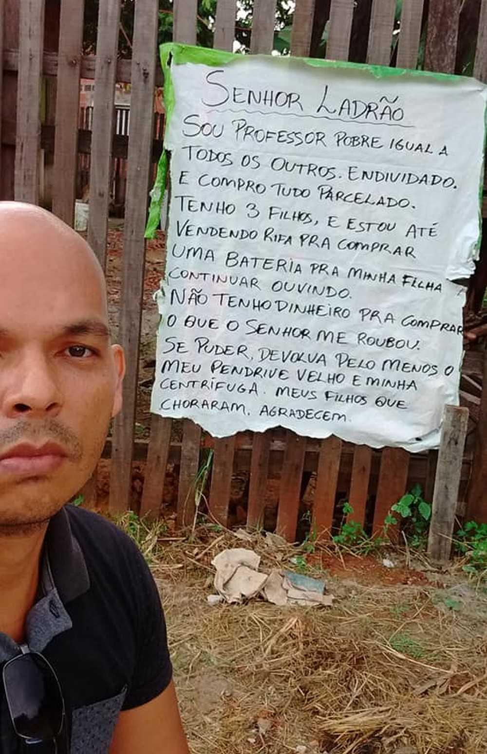 Após ter casa invadida, professor deixa recado para ladrão em cartaz -Imagem:  Marivaldo Silva/Arquivo pessoal