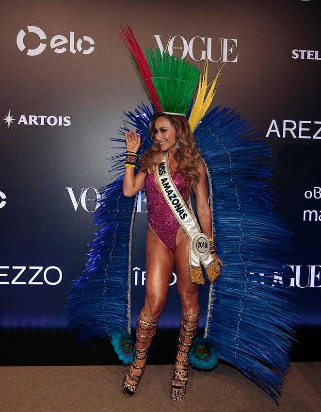 Sabrina Sato posou para fotos antes do Baile da Vogue Imagem: Rafael Cusato, Iwi Onodera e Manuela Scarpa/Brazil News