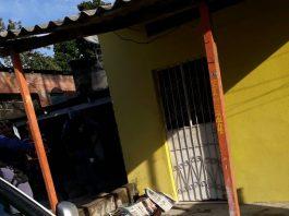 Suspeito morre com faca cravada no peito quando tentava assaltar casa em Manaus - Imagem: Divulgação