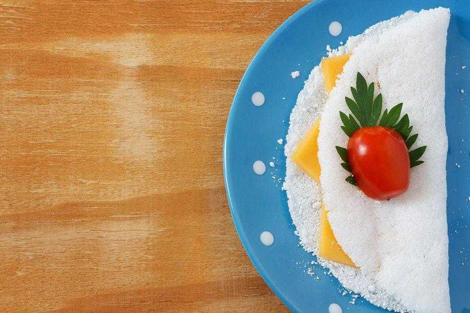 Tapioca emagrece com queijo e tomate / Foto: Shutterstock.com