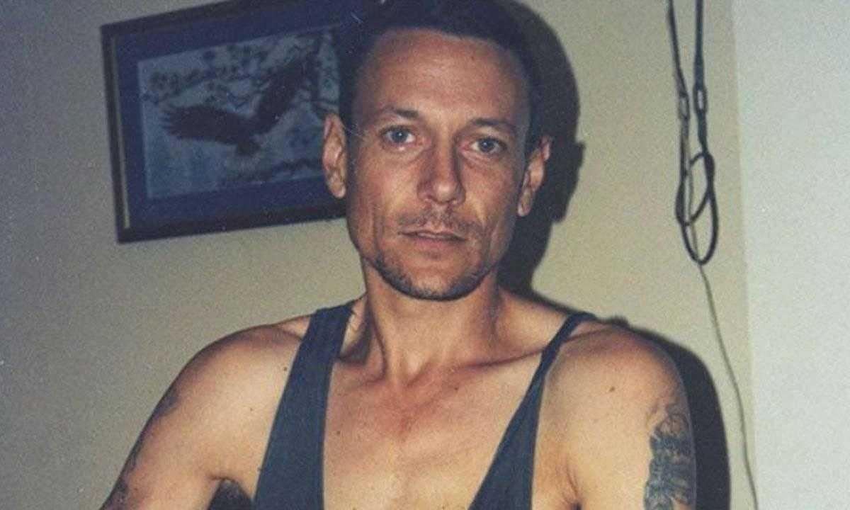 Cowan ficou foragido por vários anos antes de ser condenado à prisão perpétua / Reprodução aussiecriminal.com