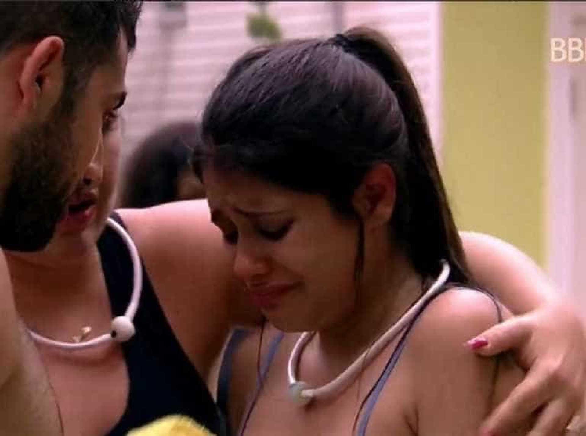 Saúde de Ana Paula é preocupação no BBB18: 'Rezem por mim'